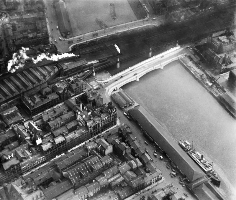 George the Fifth Bridge, New Approach Viaduct and Glasgow Bridge, Glasgow.  Oblique aerial photograph taken facing south-east.