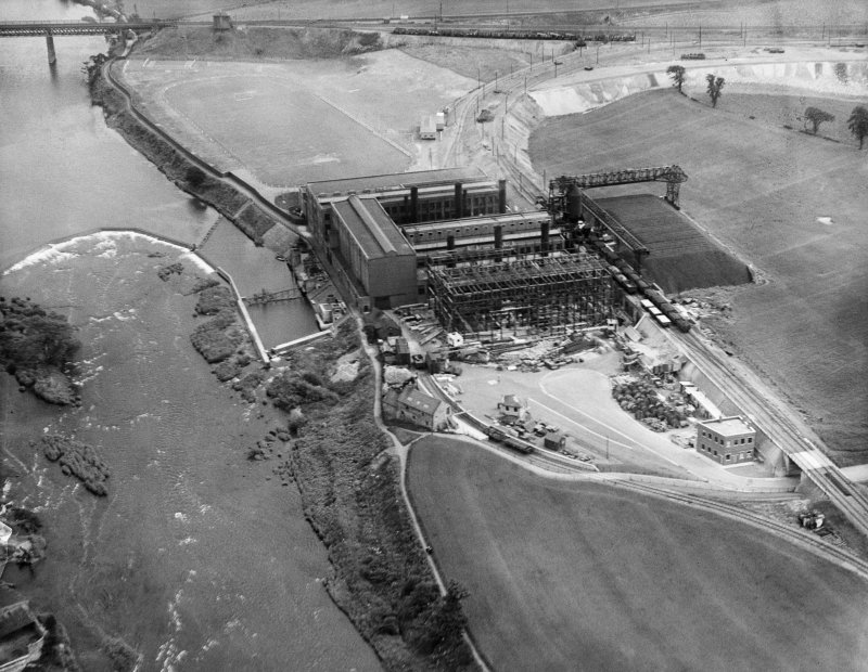 Clydesmill Power Station, Cambuslang, Glasgow.  Oblique aerial photograph taken facing east.