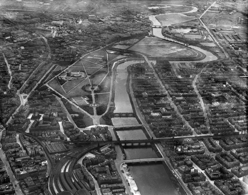 Glasgow, general view, showing Glasgow Green and River Clyde.  Oblique aerial photograph taken facing south-east.