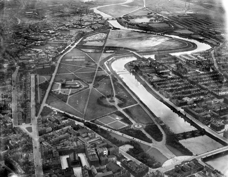 Glasgow Green and River Clyde, Glasgow.  Oblique aerial photograph taken facing south.