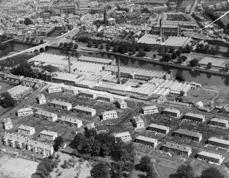 Dumfries, general view, showing Rosefield Mills and Nithsdale Mills.  Oblique aerial photograph taken facing north-east.
