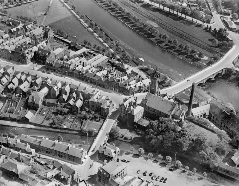 Peebles, general view, showing Parish Church, High Street and Tweed Bridge.  Oblique aerial photograph taken facing south-east.