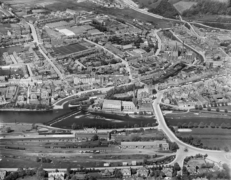 Peebles, general view, showing Tweed Bridge, Weir and Eddlestone Water.  Oblique aerial photograph taken facing north.