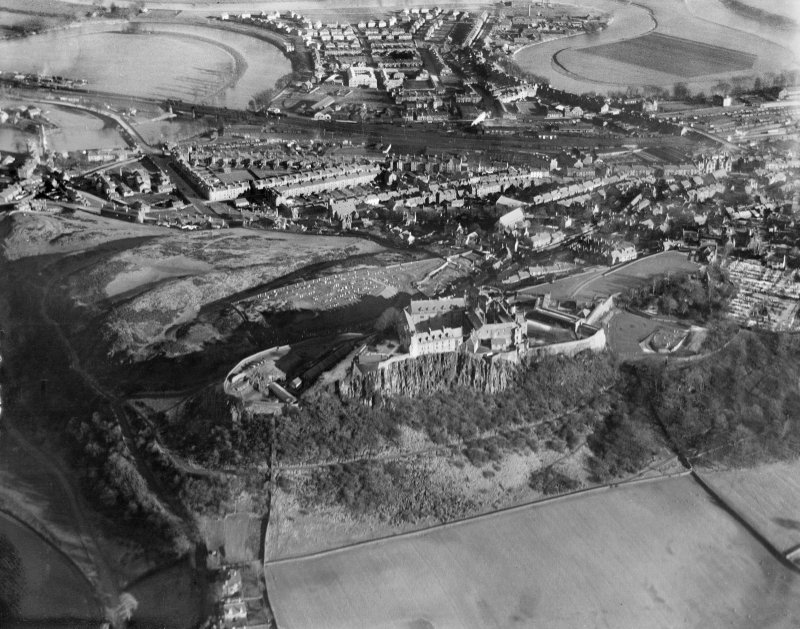General view of Stirling showing Stirling Castle and Gowan Hill.  Oblique aerial photograph taken facing east.