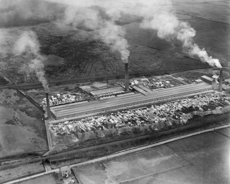 John G Stein and Co. Ltd., Castlecary Brickworks.  Oblique aerial photograph taken facing south.