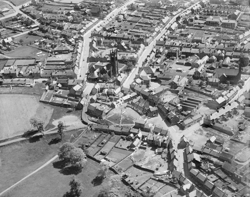 Bathgate, general view, showing Bathgate High Church and Mid Street.  Oblique aerial photograph taken facing south-east.