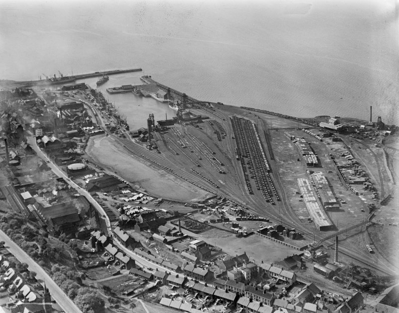 Bo'ness, general view, showing railway sidings, Dock and Timber Basin.  Oblique aerial photograph taken facing north-west.