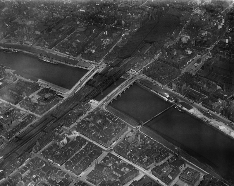 Glasgow, general view, showing Glasgow Bridge, New Approach Viaduct and George the Fifth Bridge.  Oblique aerial photograph taken facing north.