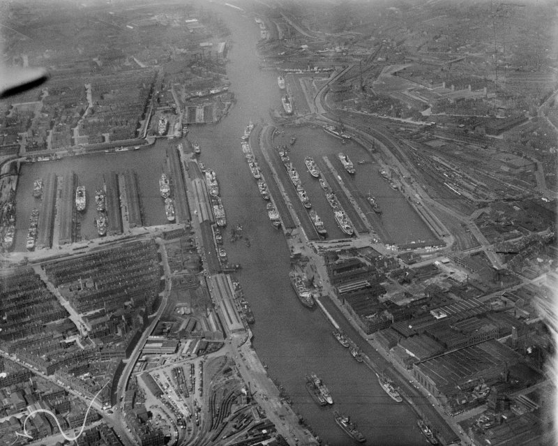 Prince's Dock and Queen's Dock, Glasgow.  Oblique aerial photograph taken facing north-west.