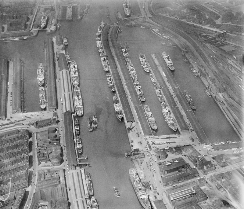 Queen's Dock and Prince's Dock, Glasgow.  Oblique aerial photograph taken facing north-west.