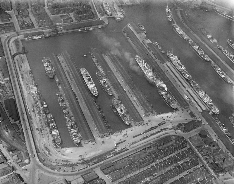 Prince's Dock, Glasgow.  Oblique aerial photograph taken facing north-west.