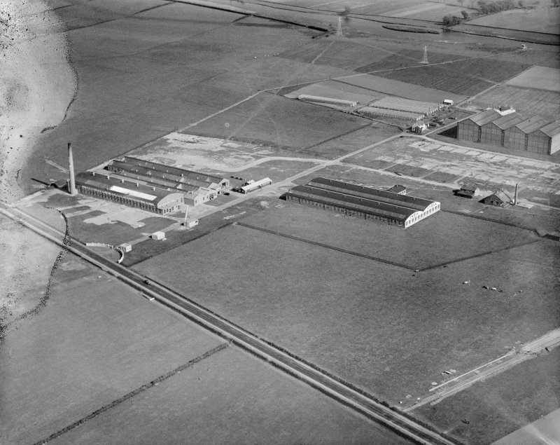 India Tyre and Rubber Co. Factory, Greenock Road, Inchinnan.  Oblique aerial photograph taken facing south-east.  This image has been produced from a damaged negative.