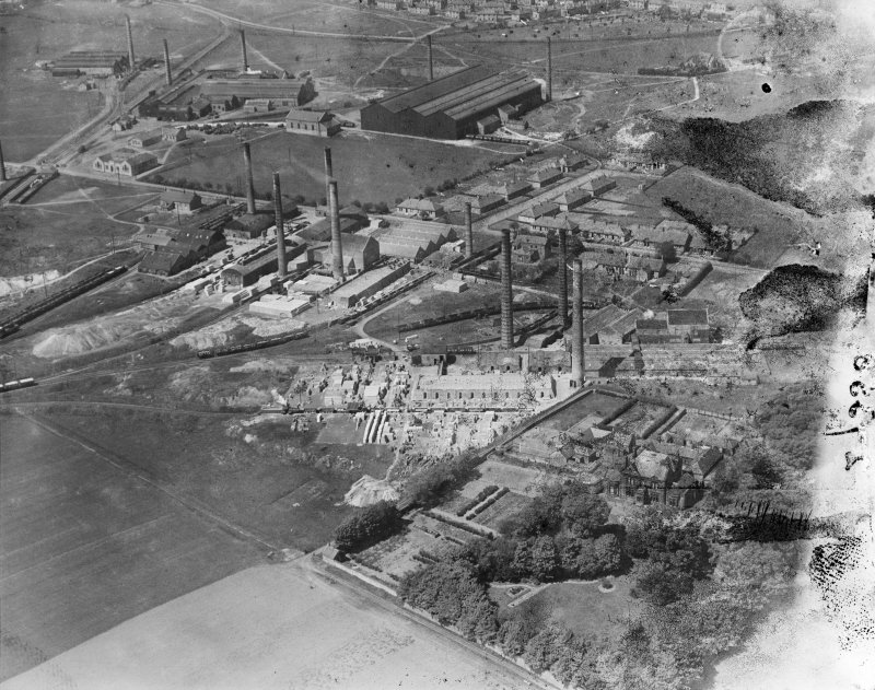 Atlas Brickworks and Etna Brickworks, Bathville, Armadale.  Oblique aerial photograph taken facing north-west.  This image has been produced from a damaged negative.