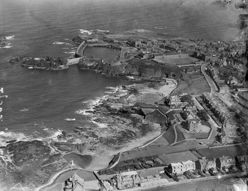 Dunbar, general view, showing Victoria Harbour and Bayswell Road.  Oblique aerial photograph taken facing east.