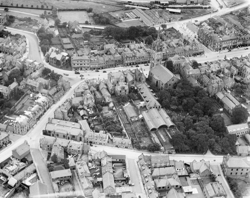 Montrose, general view, showing Old Parish Church and High Street.  Oblique aerial photograph taken facing west.