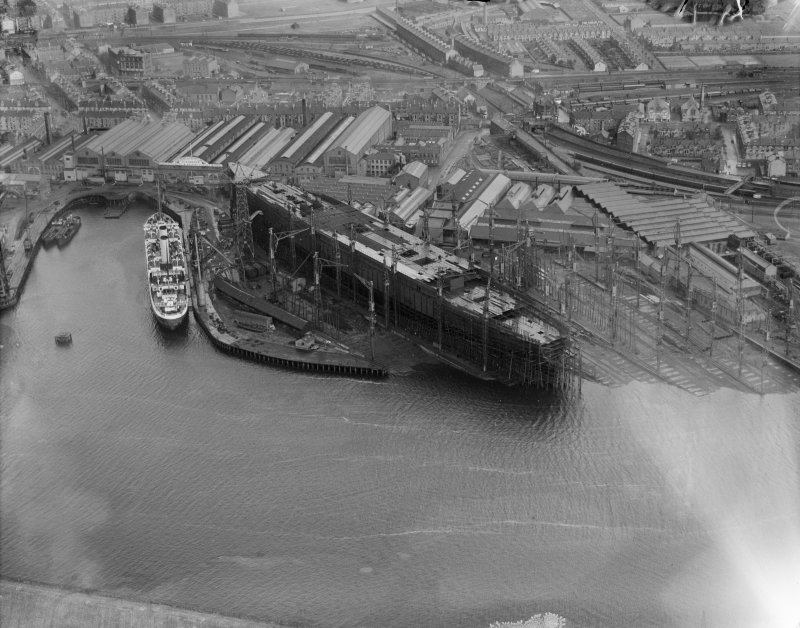 John Brown's Shipyard, Clydebank, Queen Mary under construction.  Oblique aerial photograph taken facing north-east.