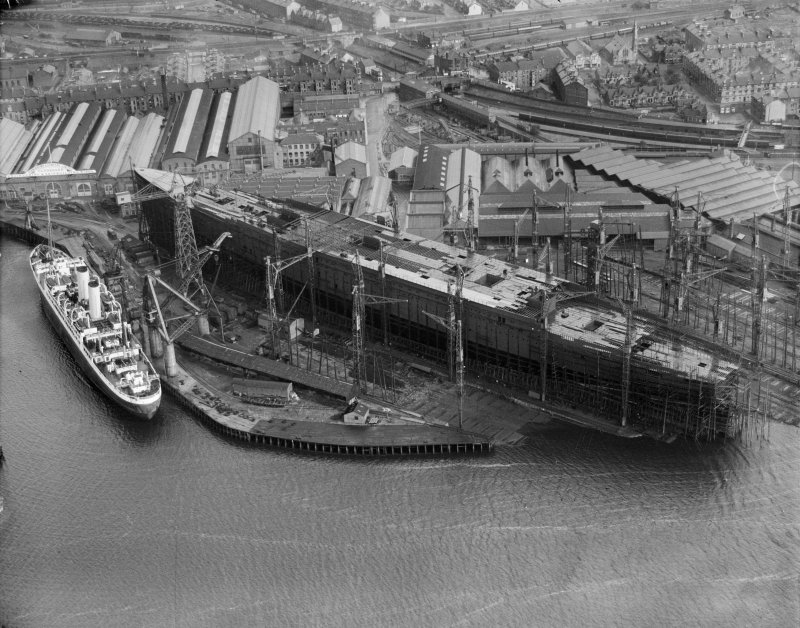 John Brown's Shipyard, Clydebank, Queen Mary under construction.  Oblique aerial photograph taken facing east.
