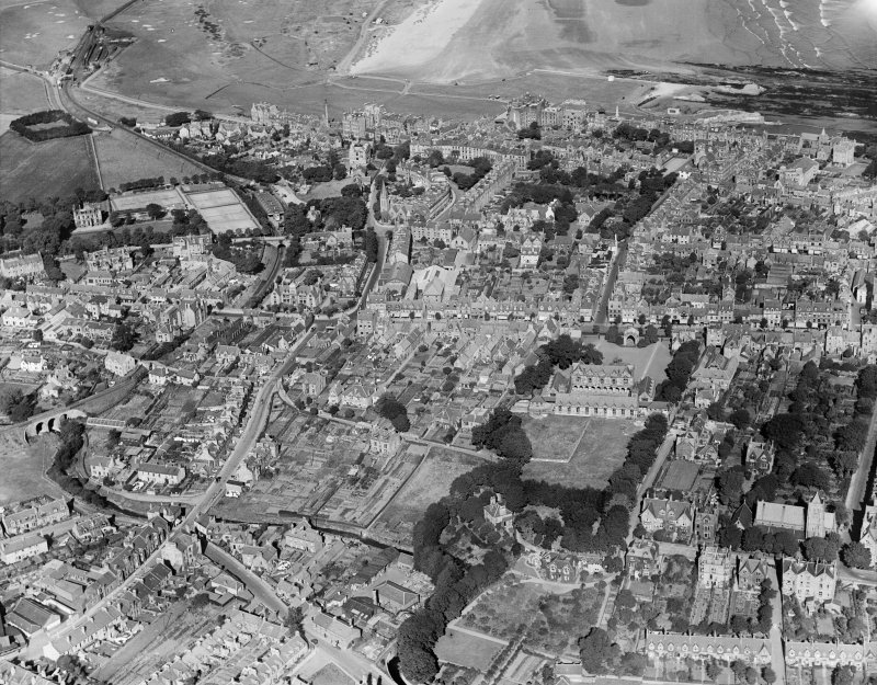 St Andrews, general view, showing Madras College and City Road.  Oblique aerial photograph taken facing north.