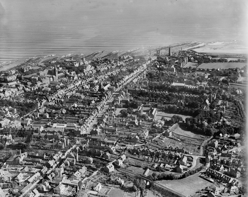 St Andrews, general view, showing Madras College and South Street.  Oblique aerial photograph taken facing east.