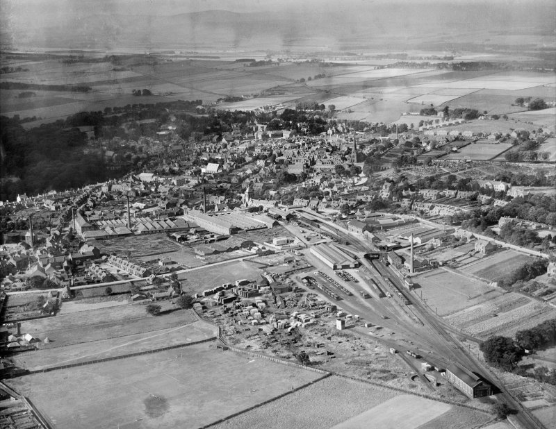 Brechin, general view, showing Railway Terminus and Southesk Street.  Oblique aerial photograph taken facing north-west.