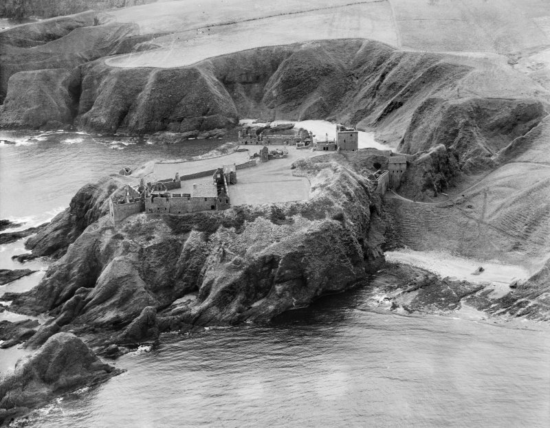 Dunnottar Castle.  Oblique aerial photograph taken facing south-west.