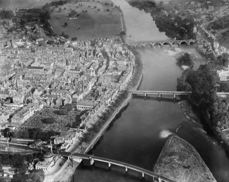 Perth, general view, showing the Bridges and St John's Kirk of Perth.  Oblique aerial photograph taken facing north.