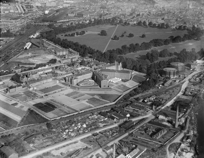 Perth Prison, Edinburgh Road and South Inch, Perth.  Oblique aerial photograph taken facing north.