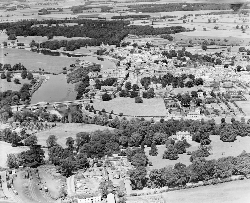 Kelso, general view, showing Kelso Bridge and Bowmont Street.  Oblique aerial photograph taken facing north.