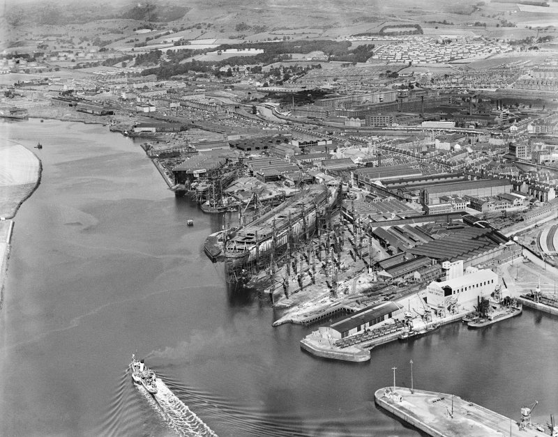 Clydebank, general view, showing Forth and Clyde Canal and John Brown's Shipyard, Queen Mary under construction.  Oblique aerial photograph taken facing north.