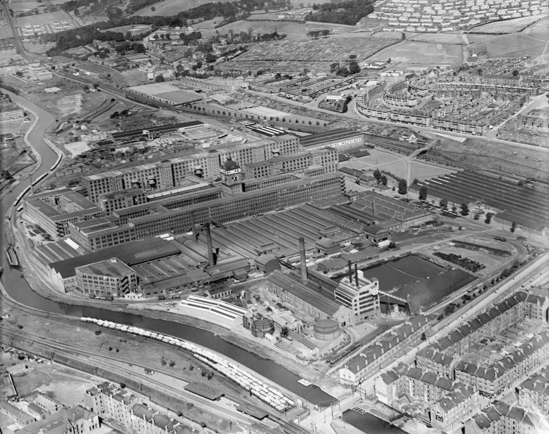 Singer Sewing Machine Factory, Kilbowie Street, Clydebank.  Oblique aerial photograph taken facing north.