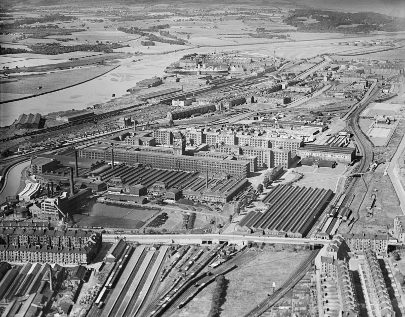Singer Sewing Machine Factory, Kilbowie Street, Clydebank.  Oblique aerial photograph taken facing west.