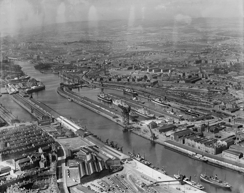 Glasgow, general view, showing Queen's Dock and Yorkhill Hospital.  Oblique aerial photograph taken facing north.