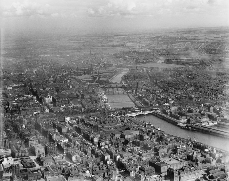 Glasgow, general view, showing Central Station and Glasgow Green.  Oblique aerial photograph taken facing south-east.