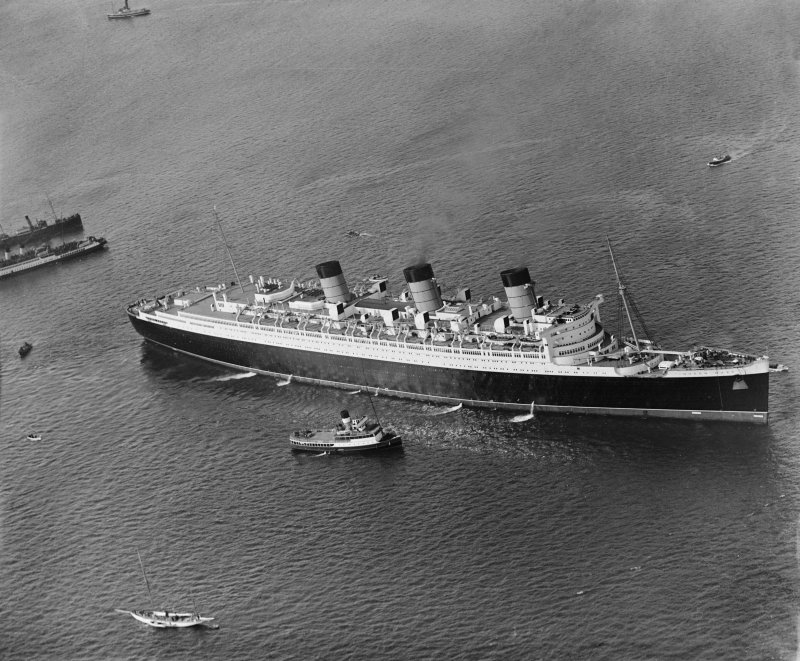 Queen Mary, Firth of Clyde.  Oblique aerial photograph.