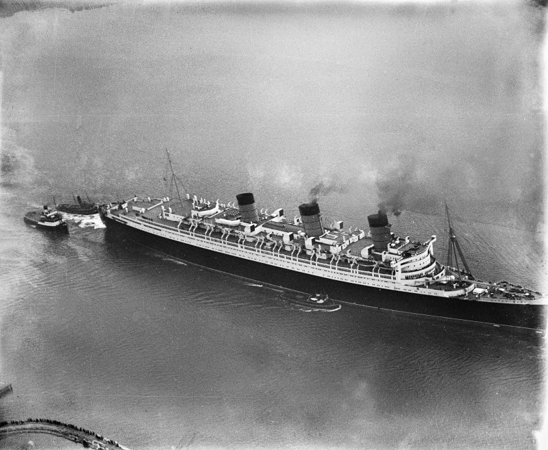 Queen Mary, River Clyde.  Oblique aerial photograph.