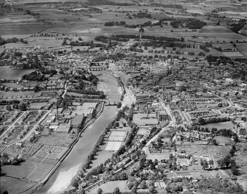 Dumfries, general view, showing River Nith and St Michael Street.  Oblique aerial photograph taken facing north.