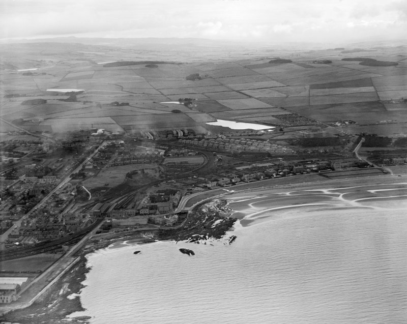 Ardrossan, general view, showing Castle Hill and South Bay.  Oblique aerial photograph taken facing north.