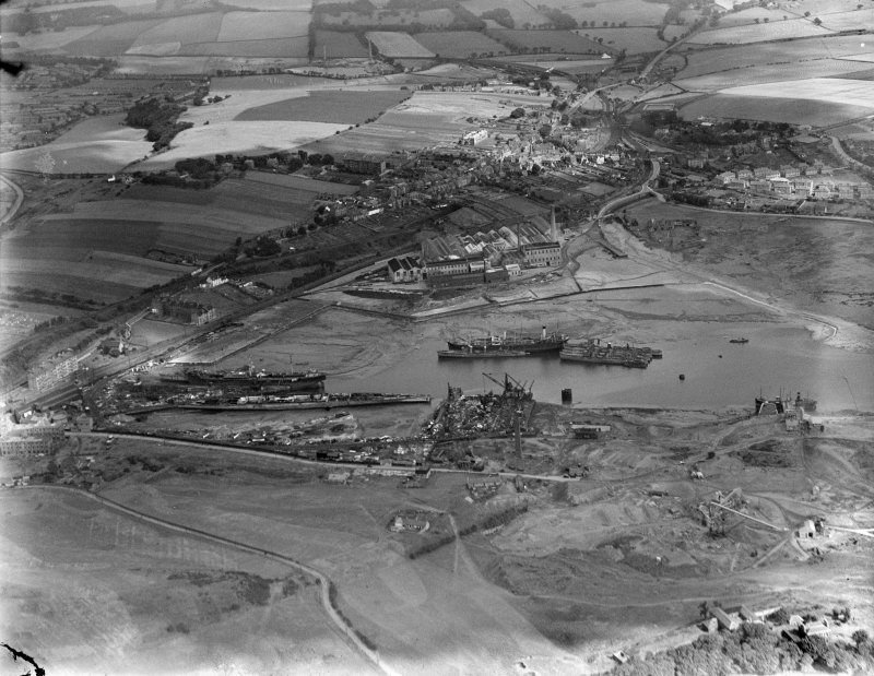 Inverkeithing, general view, showing Inner Bay and High Street.  Oblique aerial photograph taken facing north.