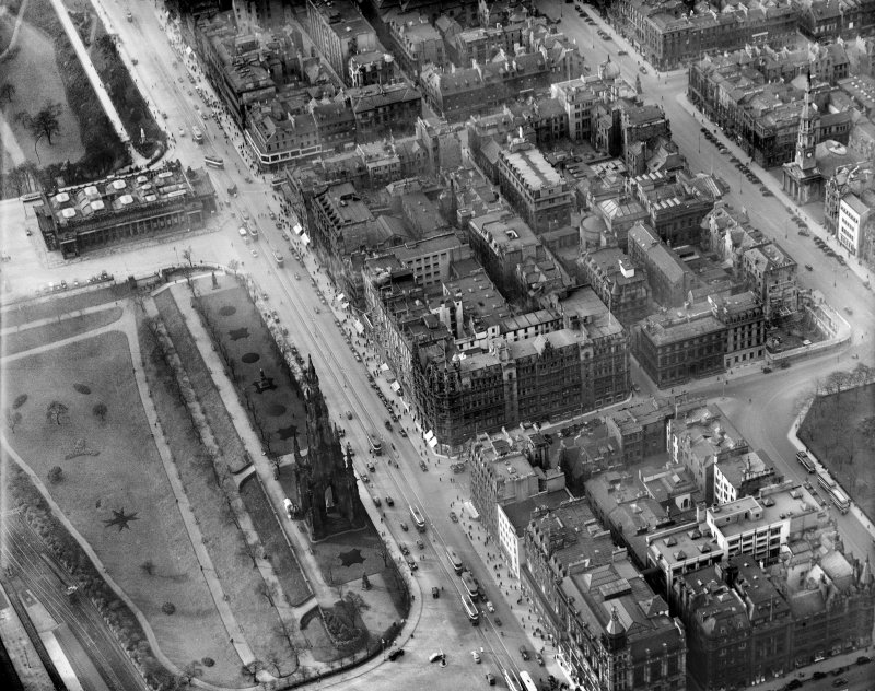 Jenners, Princes Street and East Princes Street Gardens, Edinburgh.  Oblique aerial photograph taken facing west.