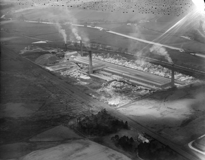 John G Stein and Co. Ltd., Castlecary Brickworks.  Oblique aerial photograph taken facing north-west.