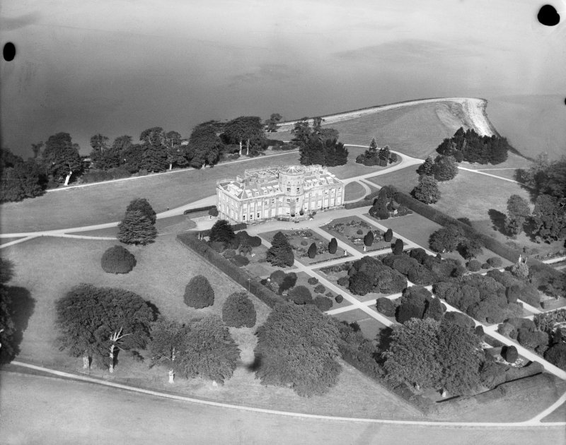 Rosneath Castle, Rosneath.  Oblique aerial photograph taken facing north.