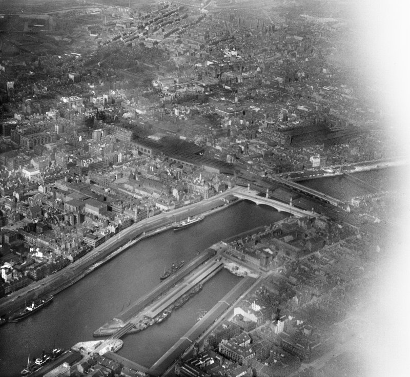 Glasgow, general view, showing Central Station, George the Fifth Bridge and Glasgow Bridge.  Oblique aerial photograph taken facing north-east.