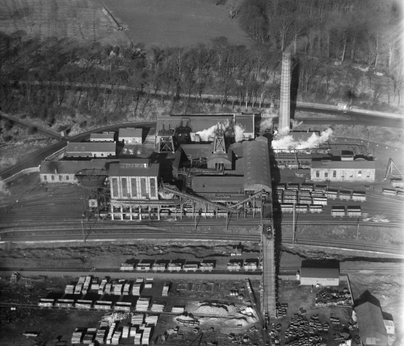 Valleyfield Colliery, Low Valleyfield, Culross.  Oblique aerial photograph taken facing north.
