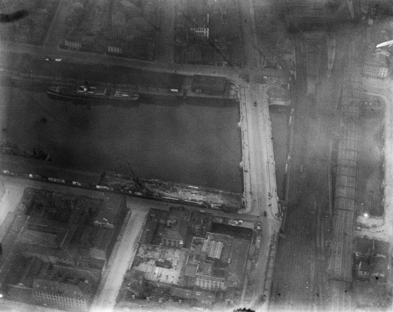 George the Fifth Bridge and New Approach Viaduct, Glasgow.  Oblique aerial photograph taken facing north.