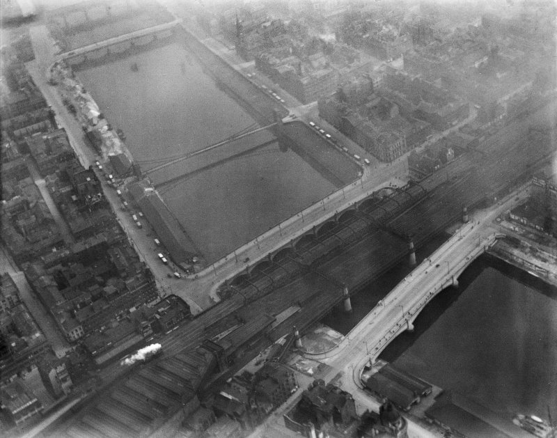 Glasgow Bridge, New Approach Viaduct and George the Fifth Bridge, Glasgow.  Oblique aerial photograph taken facing south.
