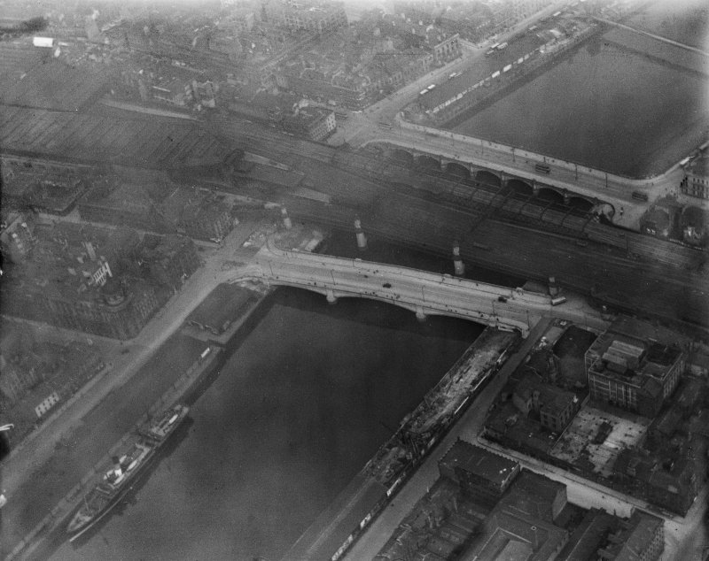 George the Fifth Bridge, New Approach Viaduct and Glasgow Bridge, Glasgow.  Oblique aerial photograph taken facing east.
