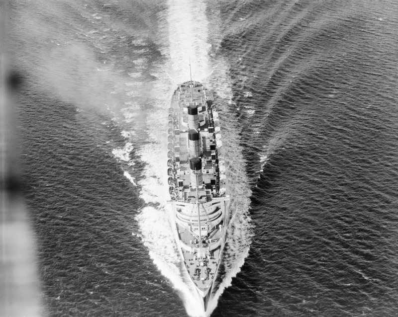 Queen Mary, Firth of Clyde.  Speed trials.  Oblique aerial photograph.