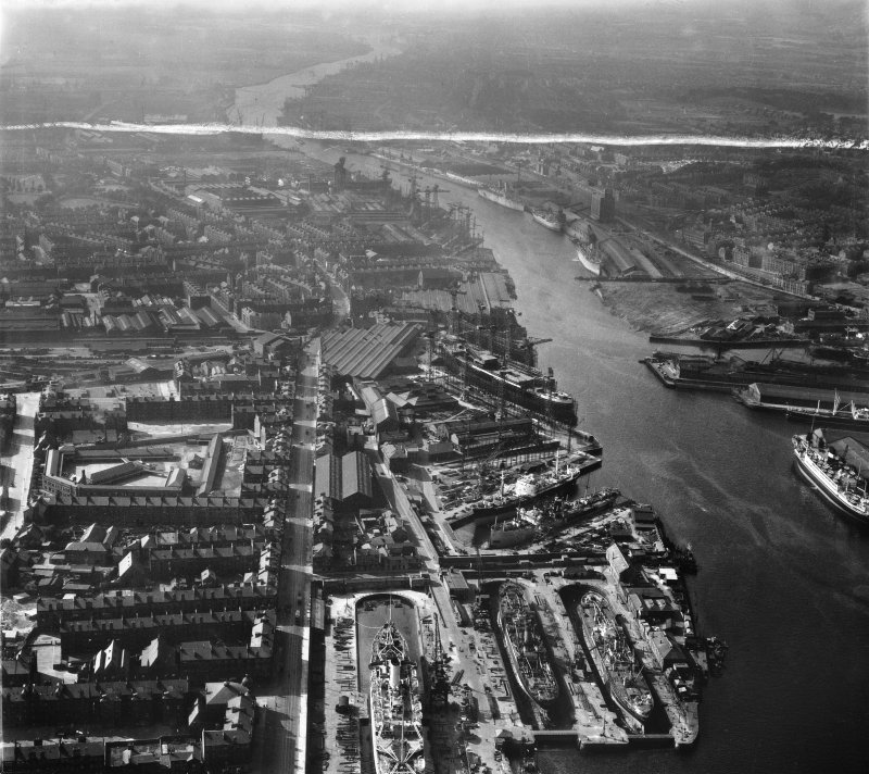 Harland and Wolff Shipbuilding Yard, Clydebrae Street, Govan, Glasgow.  Oblique aerial photograph taken facing north-west.  This image has been produced from a crop marked negative.