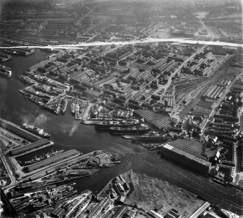 Harland and Wolff Shipbuilding Yard, Clydebrae Street, Govan, Glasgow.  Oblique aerial photograph taken facing south.  This image has been produced from a crop marked negative.