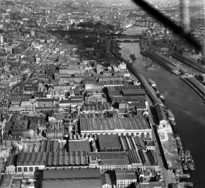 Glasgow, general view, showing Harland and Wolff Diesel Engine Works, 181 Lancefield Street and George the Fifth Bridge.  Oblique aerial photograph taken facing east.